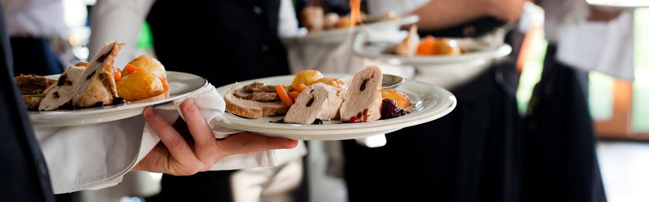 banquet-server-photo